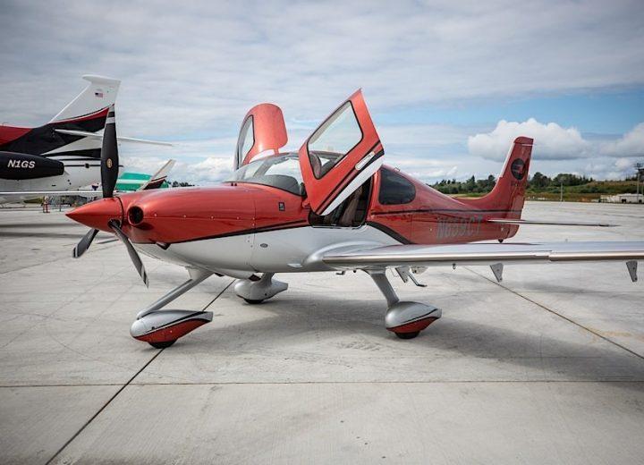 High performance aircraft for flight training